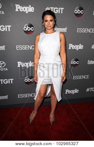 LOS ANGELES - SEP 26:  Katie Lowes at the TGIT 2015 Premiere Event Red Carpet at the Gracias Madre on September 26, 2015 in Los Angeles, CA