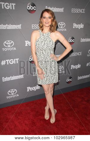 LOS ANGELES - SEP 26:  Sarah Drew at the TGIT 2015 Premiere Event Red Carpet at the Gracias Madre on September 26, 2015 in Los Angeles, CA