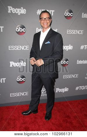 LOS ANGELES - SEP 26:  Joshua Malina at the TGIT 2015 Premiere Event Red Carpet at the Gracias Madre on September 26, 2015 in Los Angeles, CA