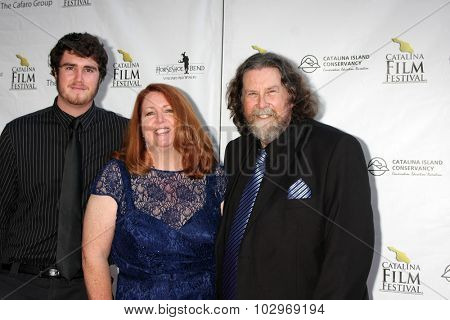 LOS ANGELES - SEP 25:  Dillion Sisson, Margina Sisson, Gary Sisson at the Catalina Film Festival Friday Evening Gala at the Avalon Theater on September 25, 2015 in Avalon, CA