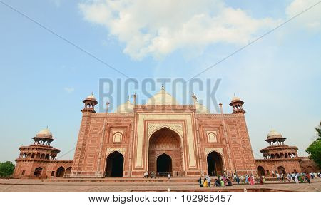People Visit To Red Tower Of Taj Mahal