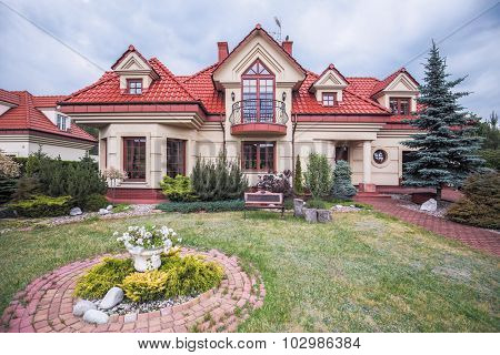 Stylish Luxurious Villa
