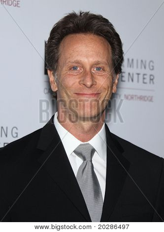 LOS ANGELES - JAN 29:  Steven Weber arrives to the Valley Performing Arts Center Opening Gala  on January 29,2011 in Northridge, CA