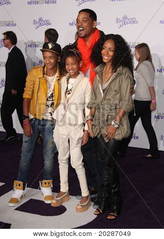 """LOS ANGELES - FEB 09:  WILL SMITH, JADA PINKETT SMITH, JADEN SMITH & WILLOW SMITH arrives to the """"Justin Bieber: Never Say Never"""" Los Angeles Premiere  on February 08,2011 in Los Angeles, CA"""