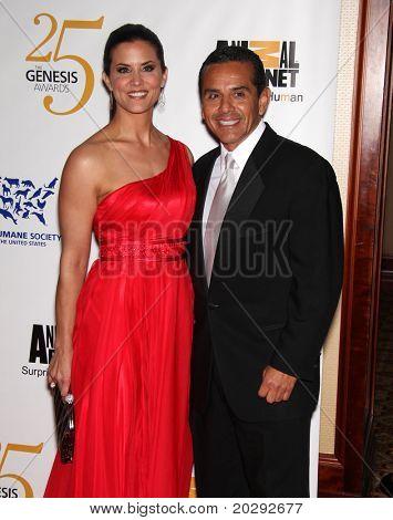 LOS ANGELES - MAR 19: LA Mayor Antonio Villaraigosa & Lu Parker arrives to the 25th Annual Genesis Awards  on March 19, 2011 in Century City, CA