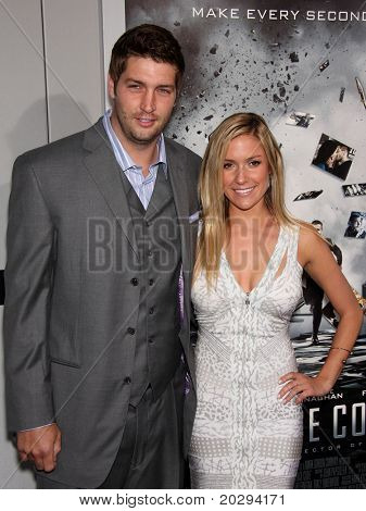 LOS ANGELES - MAR 28:  Jay Cutler & Kristin Cavallari arrives to the