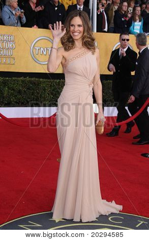 LOS ANGELES - JAN 30:  Hilary Swank arrives at the the SAG Awards 2011 on January 30, 2011 in Los Angeles, CA