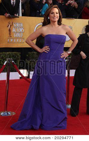 LOS ANGELES - JAN 30:  Mariska Hargitay arrives at the the SAG Awards 2011 on January 30, 2011 in Los Angeles, CA