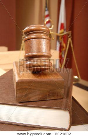 Livros jurídicos no Tribunal