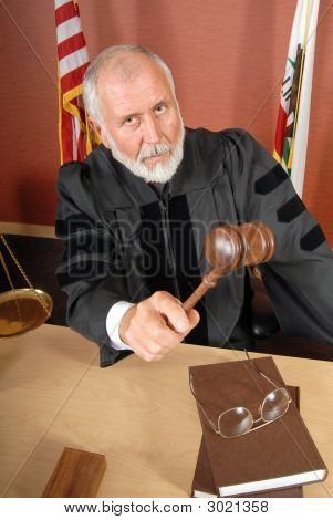 Strenger Richter