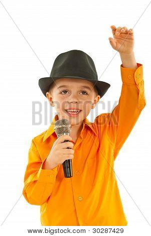 Little Singer Welcomes Public