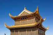 pic of emei  - The golden palace on Golden Summit in Mount Emei - JPG