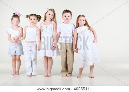 Четыре девушки и один парень