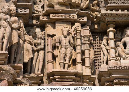 Templos de Khajuraho, famosa por suas esculturas eróticas