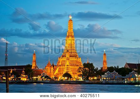 View Of Wat Arun  During Sunset