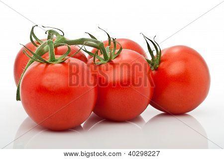 Saftige Tomaten Isoliert Vor Weissem Hintergrund