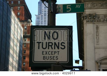 Street Sign In 5Th Avenue, New York City