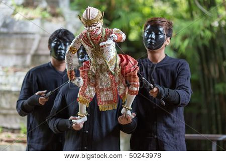 BANGKOK, THAILAND - July 5 :Traditional Thai Khon puppet spectacle at Klong Bang Luang on July 5, 2013 in Bangkok, Thailand
