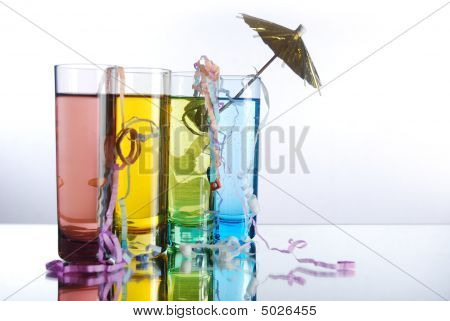 Shot Glasses With Umbrella And Streamers
