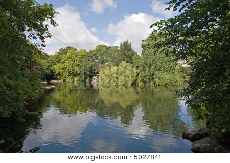 Pond In St. Stephen's Green