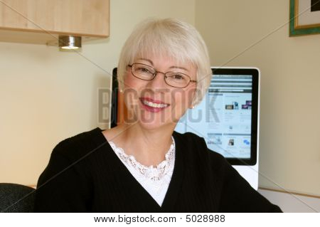 Atraente mulher madura