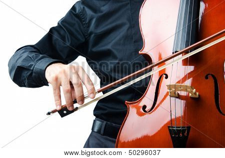 Hands playing cello at the concert
