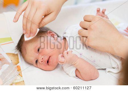 Cleaning Newborn Baby Skin