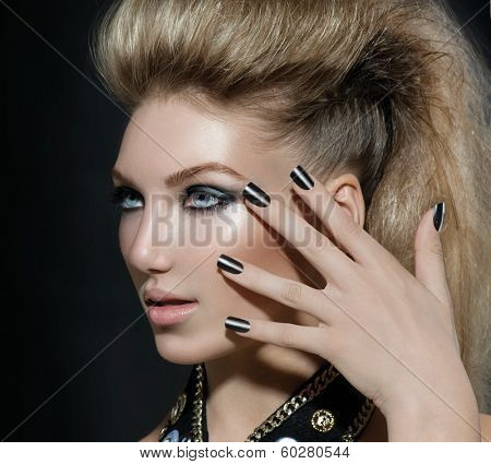 Fashion Rocker Style Model Girl Portrait. Hairstyle. Rocker or Punk Woman Makeup, Hairdo and black Nails. Smoky Eyes Make up. Black manicure