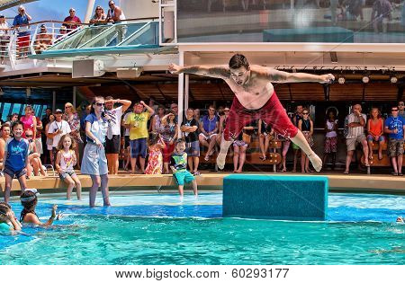 Australian man in belly flop competition on cruise ship