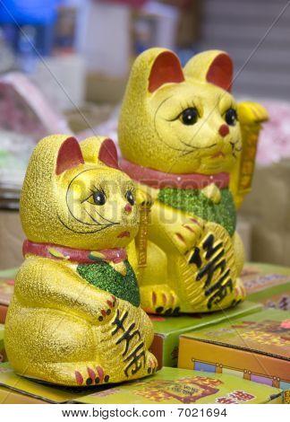 Maneki Neko Japanese Cat Ornaments