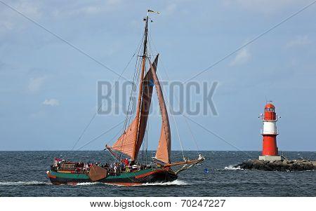 Old sailing ship at Hansesail 2014 (03)