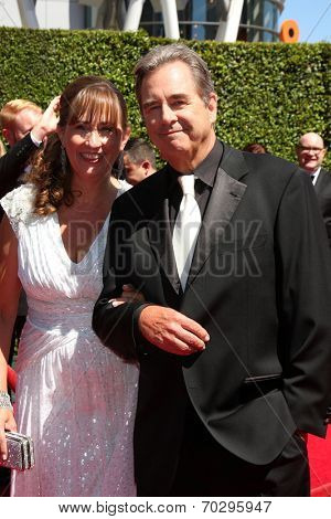 LOS ANGELES - AUG 16:  Wendy Bridges, Beau Bridges at the 2014 Creative Emmy Awards - Arrivals at Nokia Theater on August 16, 2014 in Los Angeles, CA