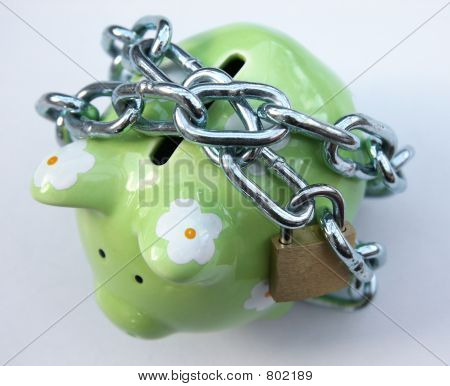 Piggy bank with padlock 1