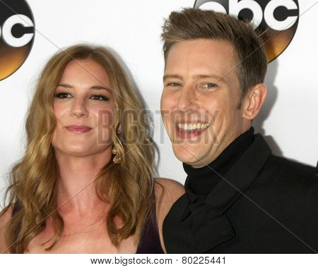 LOS ANGELES - JAN 14:  Emily VanCamp, Gabriel Mann at the ABC TCA Winter 2015 at a The Langham Huntington Hotel on January 14, 2015 in Pasadena, CA