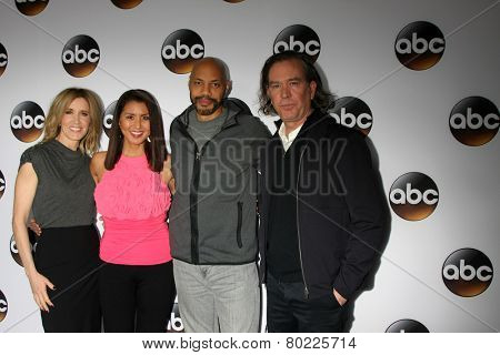 LOS ANGELES - JAN 14:  Felicity Huffman, unknown, John Ridley, Timothy Hutton at the ABC TCA Winter 2015 at a The Langham Huntington Hotel on January 14, 2015 in Pasadena, CA