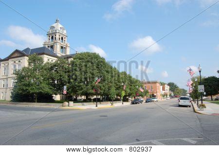 Lewistown,  IL