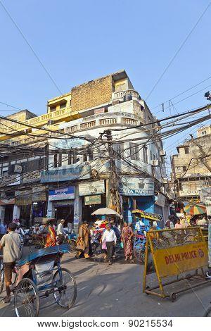 Downtown Traffic Scene In Old Delhi Near Meena Bazaar