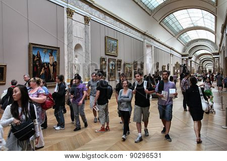 People Visit Louvre