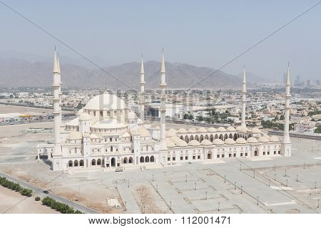 UAE,Fujairah, 05/18/2015 The Sheikh Zayed Mosque in Fujairah, the second-largest mosque in the UAE