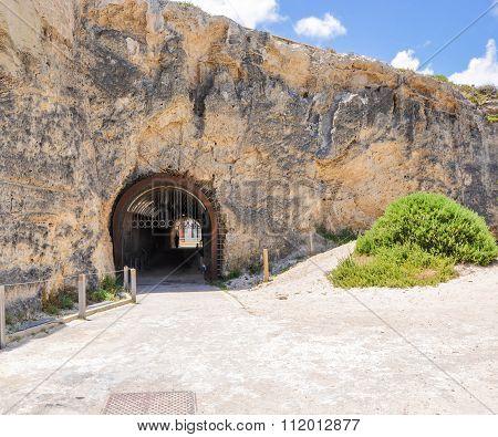 Whaler's Tunnel in Coastal Cliff: Fremantle, Western Australia