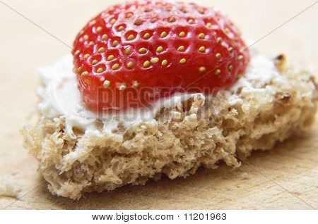 Valentines Bread And Strawberry