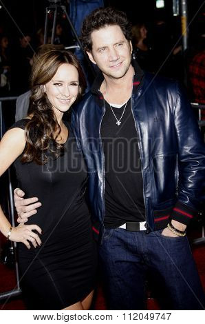 Jennifer Love Hewitt and Jamie Kennedy at the Los Angeles Premiere of