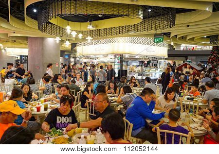 SINGAPORE - NOVEMBER 07, 2015: food court in The Shoppes at Marina Bay Sands. The Shoppes at Marina Bay Sands is one of Singapore's largest luxury shopping malls