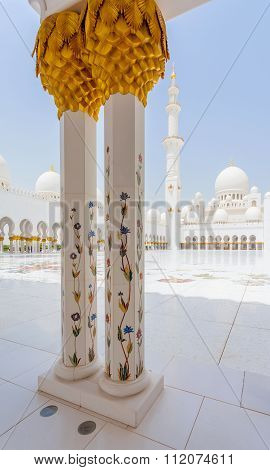 Sheikh Zayed Mosque In Abu Dhabi External View