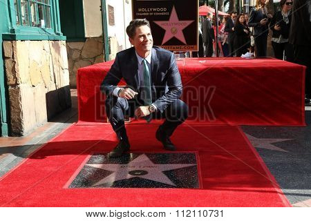 LOS ANGELES - DEC 8:  Rob Lowe at the Rob Lowe Star on the Hollywood Walk of Fame at the Hollywood Blvd on December 8, 2015 in Los Angeles, CA
