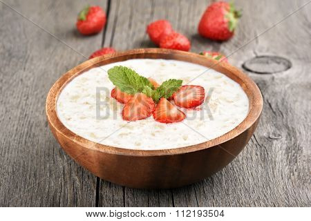 Oats Porridge With Strawberry