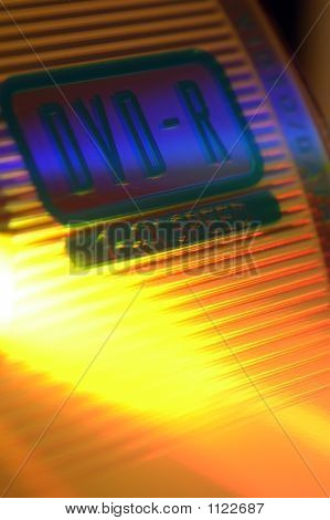 dvd recordable close up with extreme orange yellow colours dvd rohling freisteller_04
