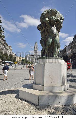 Bronze Statue In Avenue