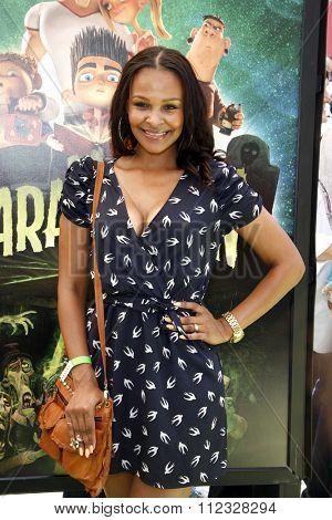 Samantha Mumba at the Los Angeles premiere of