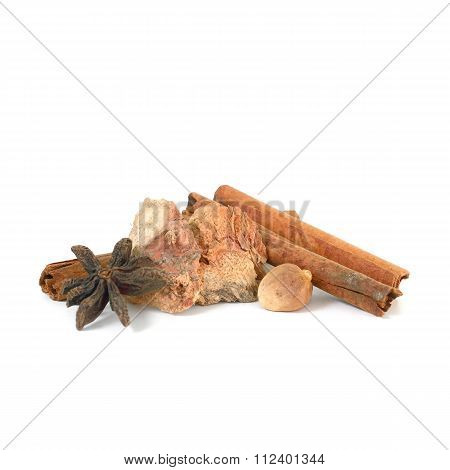Cinnamon Sticks ,dried Star Anise, Dried Ginger ,dried Garlic (herb)